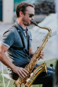 Le Saxophoniste du Groupe Musique Jazz Mariage Nîmes