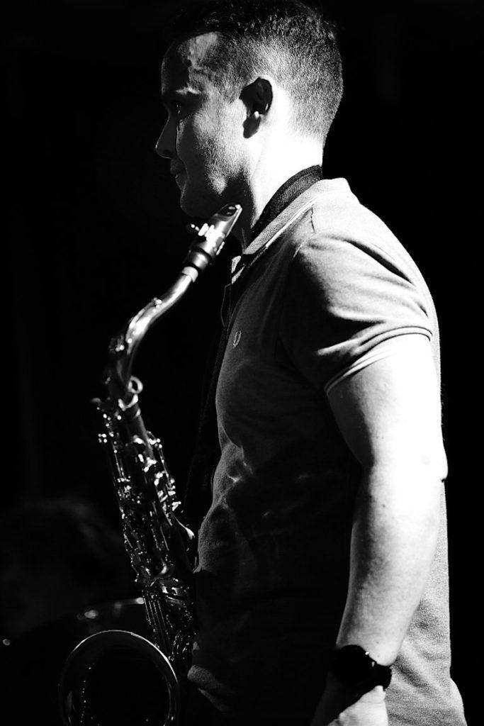 Le Saxophoniste du groupe Jazz en duo pour animer un vin d'honneur de mariage à Aix en Provence ou à Marseille (Bouches du Rhône) - 13