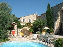 Piscine au_clos d'hullias, le lieu de mariage avec hébergement dans le Gard (30)